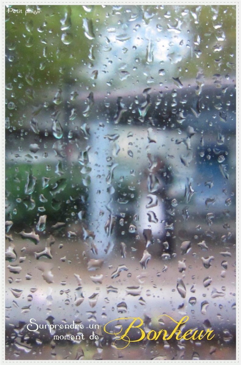 Surprendre un petit moment de bonheur sous la pluie